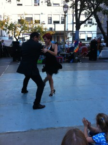 Tango at the Sunday Markets, Dorrego Plaza